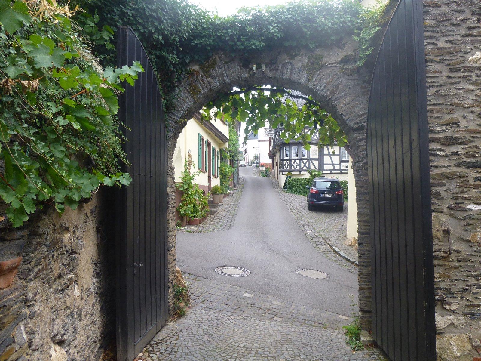Weingut Ruess-Röchling in Richtung Ratsweinschenke